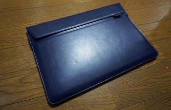 SimplismのMacBook Pro USB Type-Cモデル用ケース「BookSleeve」