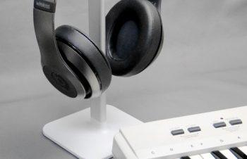 Apple/Macテクノロジー研究所 トリニティ、BlueLoungeのユニバーサルヘッドフォンスタンド「Posto」レポート