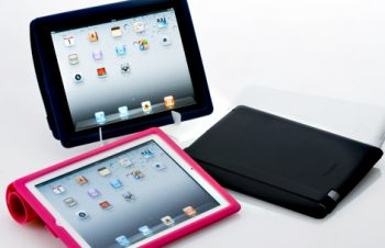 Flip Silicone Case Set for iPad 2