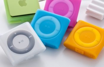 Starter Pack for iPod shuffle (4th) 2011