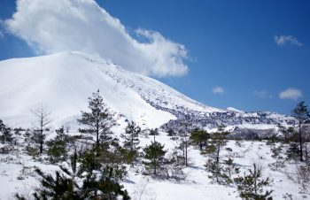 雪山でH2O Audio iPod shuffle用防水ヘッドセット「Interval」を使って音楽を楽しむ
