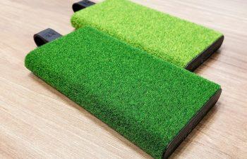 芝生の触感がクセになる、薄型モバイルバッテリーがトリニティに登場