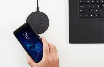 iPhone 12にも使える、無接点充電器「Owen Wireless Charge」