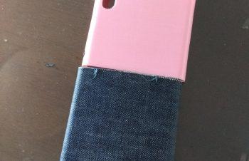 NuAns NEO [Reloaded]ピンクとジーンズの組み合わせはこちら。ピンクは抽選で当たったやつ😀レア!3Dプリンタで作ったやつだそうです!#赤 #黒 #ピンク #スマホ #ジーンズ #レア