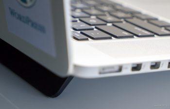 """MacBook Pro 15"""" Retinaが絶賛熱暴走中! blueLounge Kickflipで放熱出来るか?"""