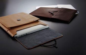人気のBook Sleeveに本革仕様、登場