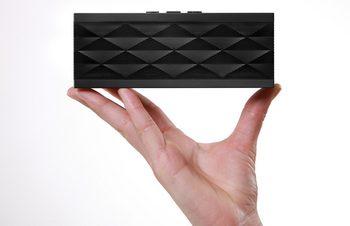 ライフスタイルを変える、ワイヤレススピーカー「Jawbone JAMBOX」