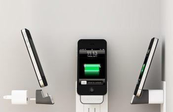iPhoneを浮かせて充電、想像以上に便利なMiniDock