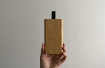 【New モバイルバッテリー】✔︎デザインよし✔︎木の質感最高✔︎2回分充電✔︎ケーブルがスマート本当の木の質感で見た目も持った時も高級感…▼NuAns(@nuans_jp)公式アンバサダーに選ばれました。今後3ヶ月間、製品を提供いただき投稿していきます。#NuAns #ニュアンスアンバサダー