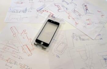 iPhoneのガラスが世界一貼りやすくなるツール
