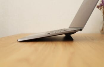 MacBookの定番スタンド|Blueloungeのキックフリップはスタンド初心者におすすめ。