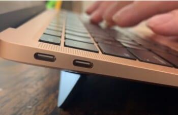 疲れないMacBook用スタンドBluelounge「Kickflip」【動画】